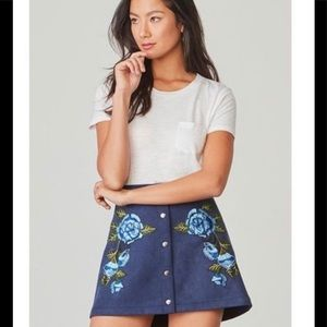 Jake by BB Dakota is embroidered Mini Skirt 👯‍♀️